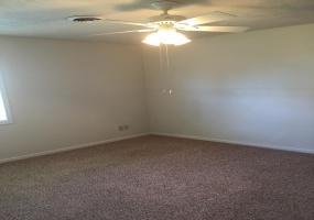 2 Bedrooms, Duplex, McPherson, Deerfield, 1 Bathrooms, Listing ID undefined, McPherson, McPherson, Kansas, United States, 67460,