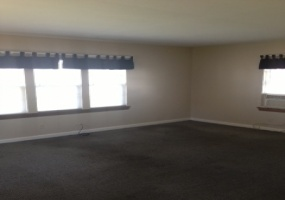 1 Bedrooms, Duplex, McPherson, S. Ash, 1 Bathrooms, Listing ID undefined, McPherson, McPherson, Kansas, United States, 67460,