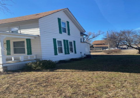 3 Bedrooms, House, McPherson, South Elm, 2 Bathrooms, Listing ID undefined, McPherson, McPherson, Kansas, United States, 67460,
